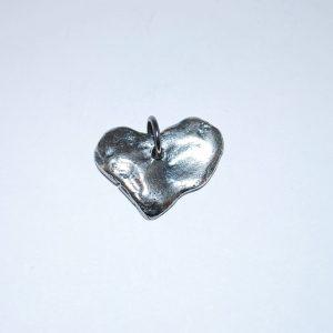 999s Vendbar oxyderet, rustik hjertevedhæng